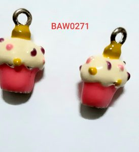 Liontin model cup cake